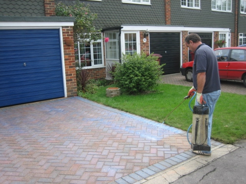 Block paving cleaning service archives abbey paving for Driveway cleaning companies